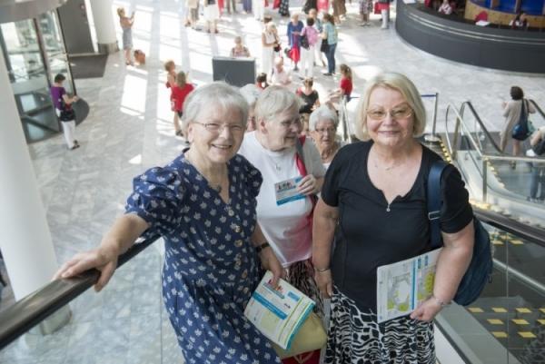 Seniorinnen auf dem Deutschen Seniorentag 2015