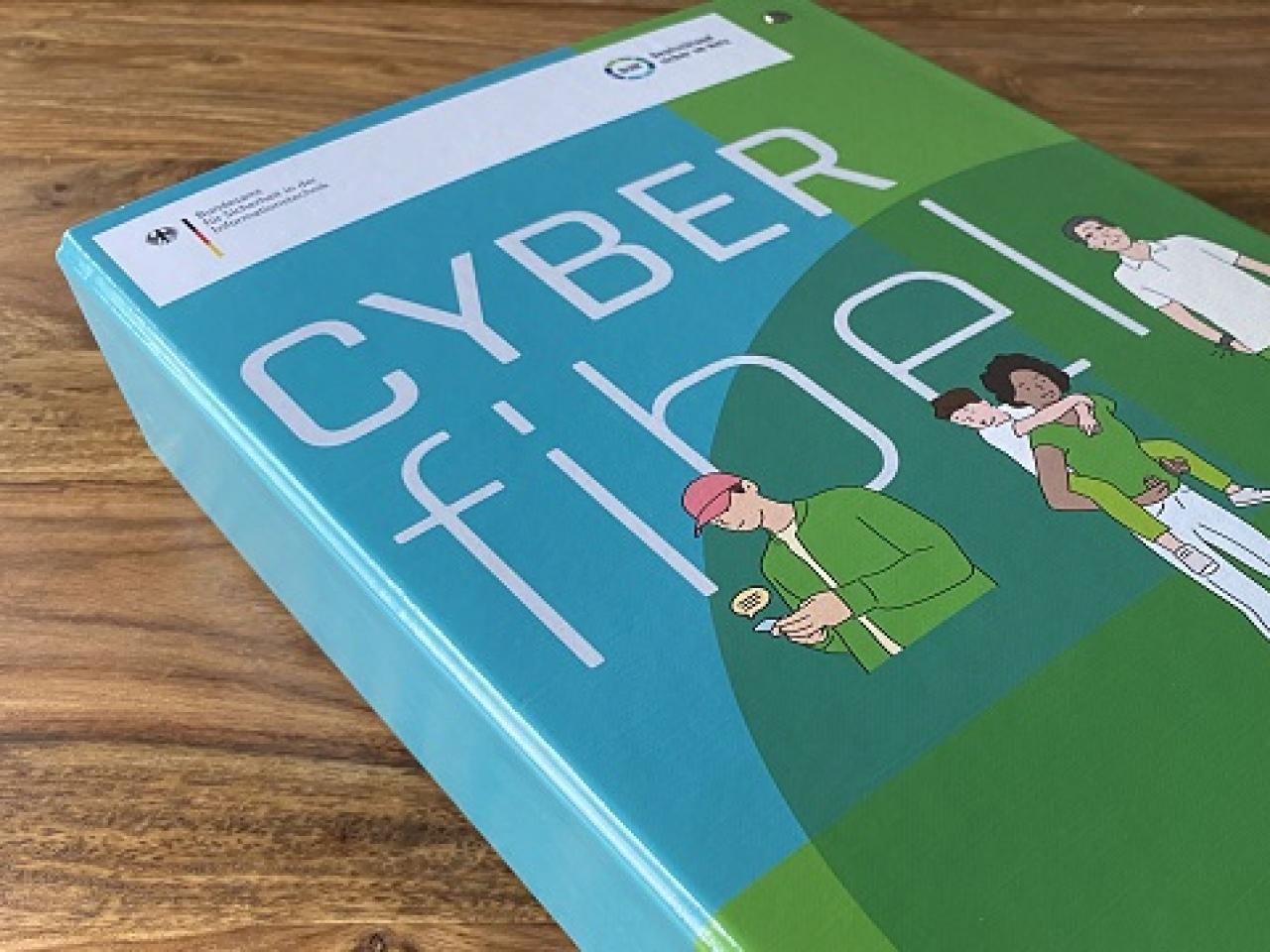 Gedrucktes Exemplar der Cyberfibel